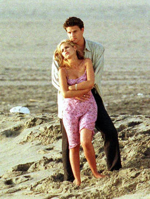 Angel_&_buffy_season_three_episode_one_anne_episode_still