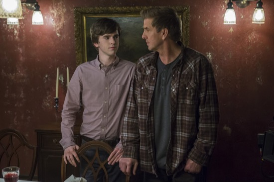 Bates-Motel-The-Last-Supper-Season-3-Episode-7-02